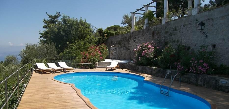 Luxury villa capri luxury villas capri for Villas in capri